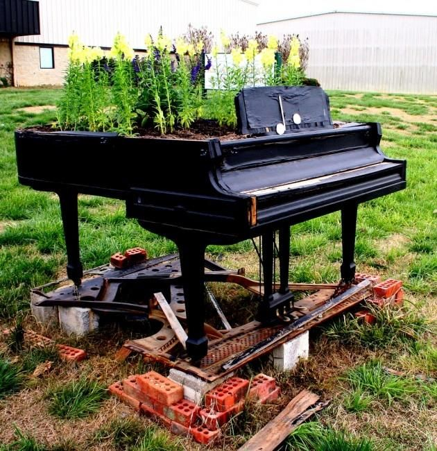 upcycled and repurposed pianos: Piano Garden